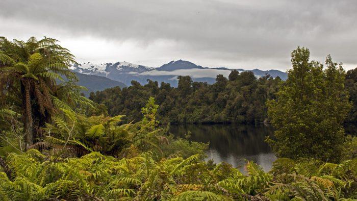 Ľadovec a jazero Nový Zéland