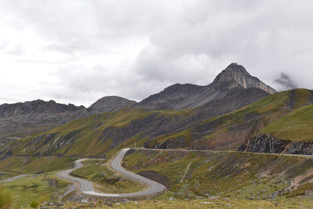 Zjazd do doliny Cordillera Blanca